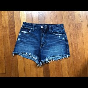 ✨GORGEOUS DENIM SHORTS, SUPER DURABLE AND CHIC✨